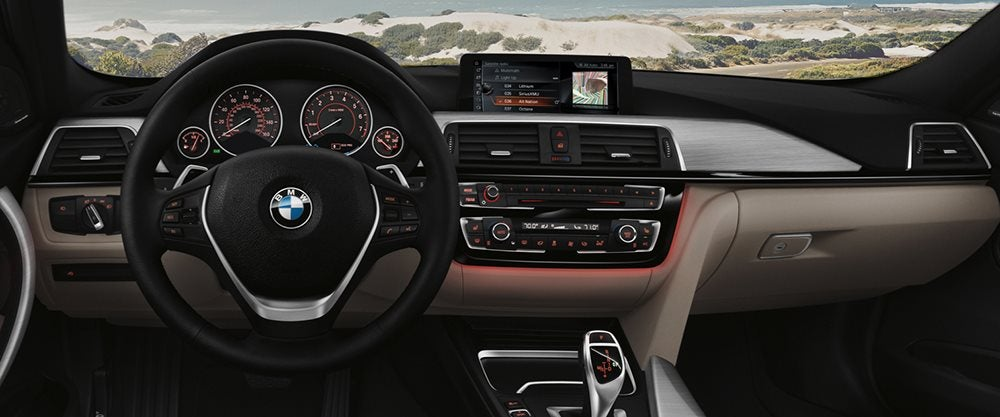 2017 BMW 320i vs 328i Trims - What Are the Differences?